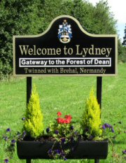 Welcome to Lydney Sign Post